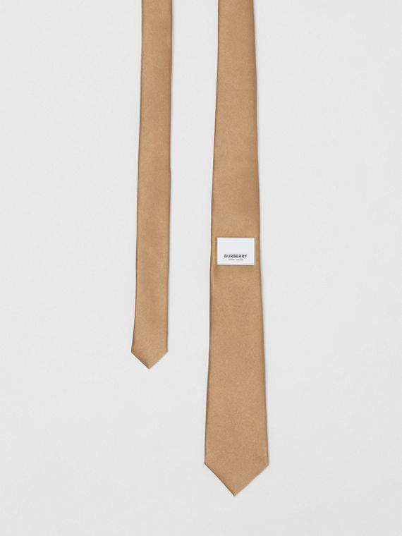 Logo Label Classic Cut Silk Tie in Light Fawn