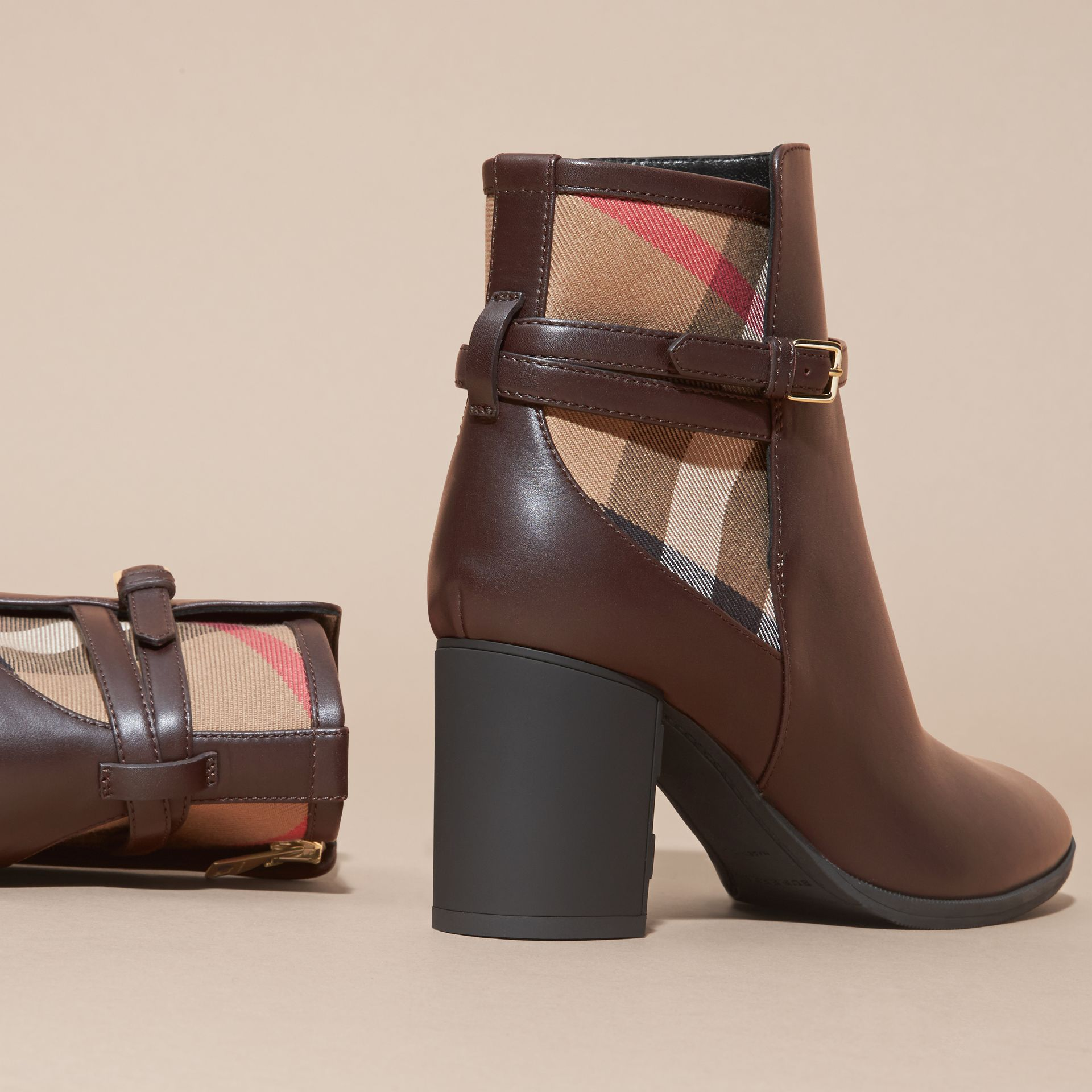Noisette Bottines en cuir et coton House check Noisette - photo de la galerie 4