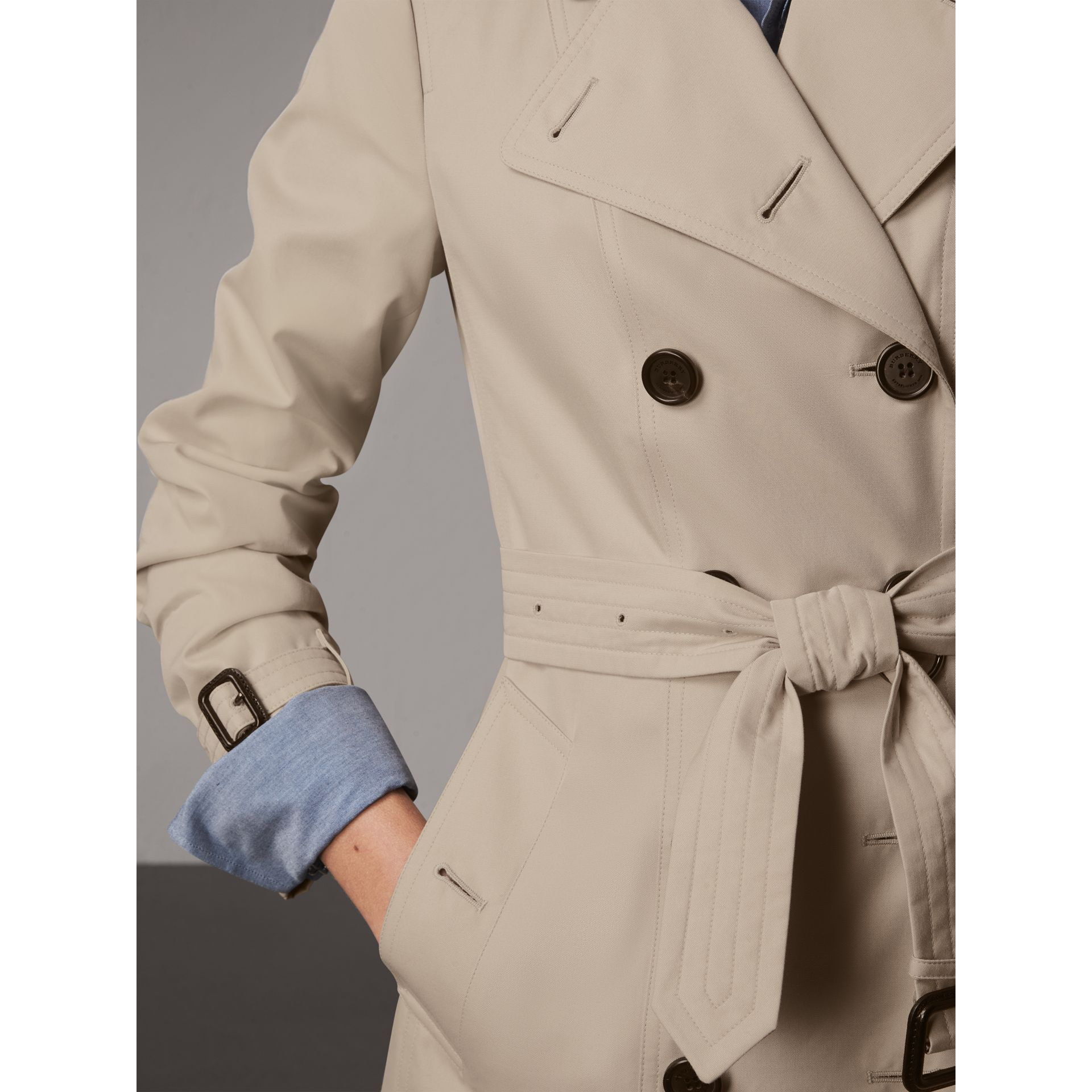 The Sandringham – Short Trench Coat in Stone - Women | Burberry - gallery image 6