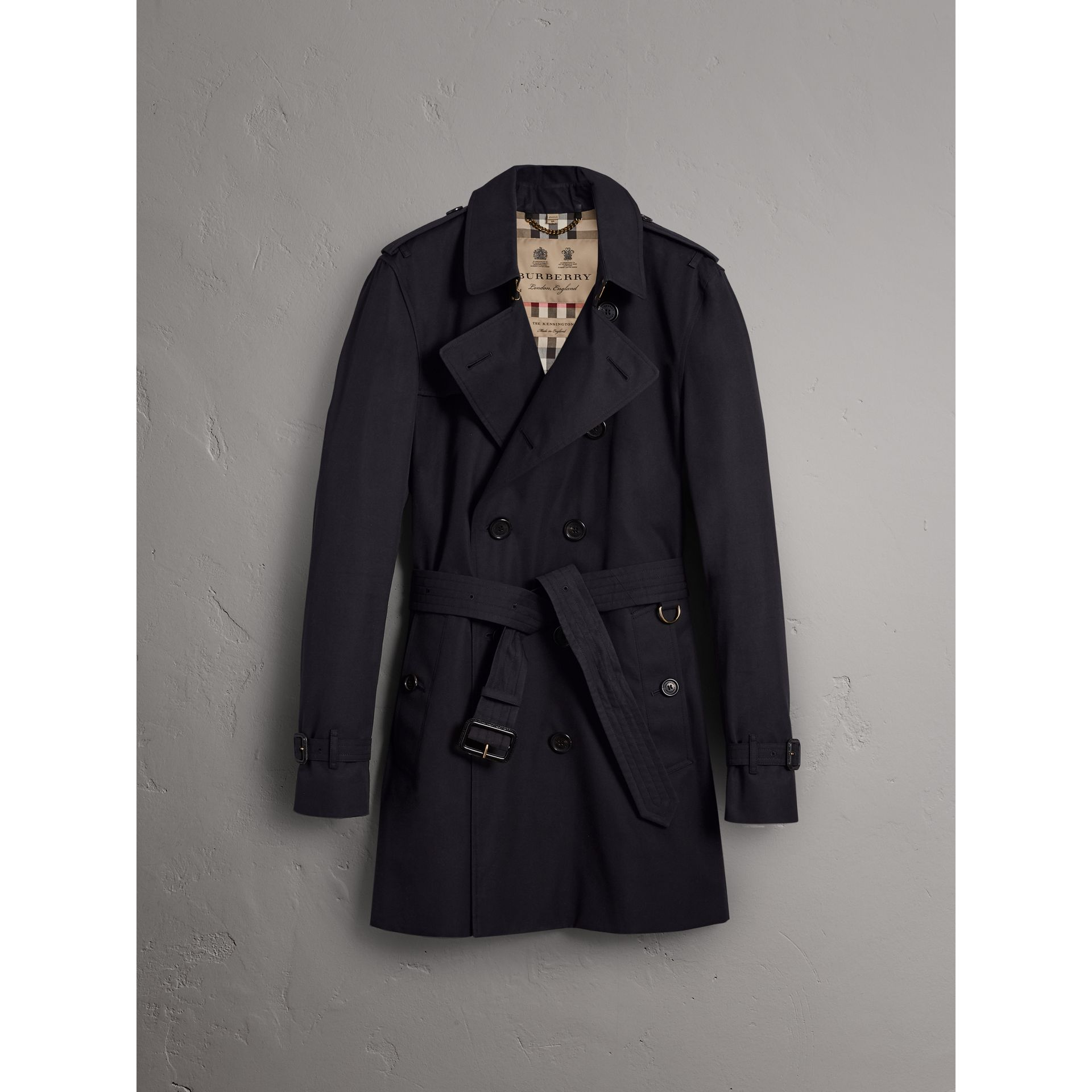 The Kensington – Mid-length Trench Coat in Navy - Men | Burberry - gallery image 3
