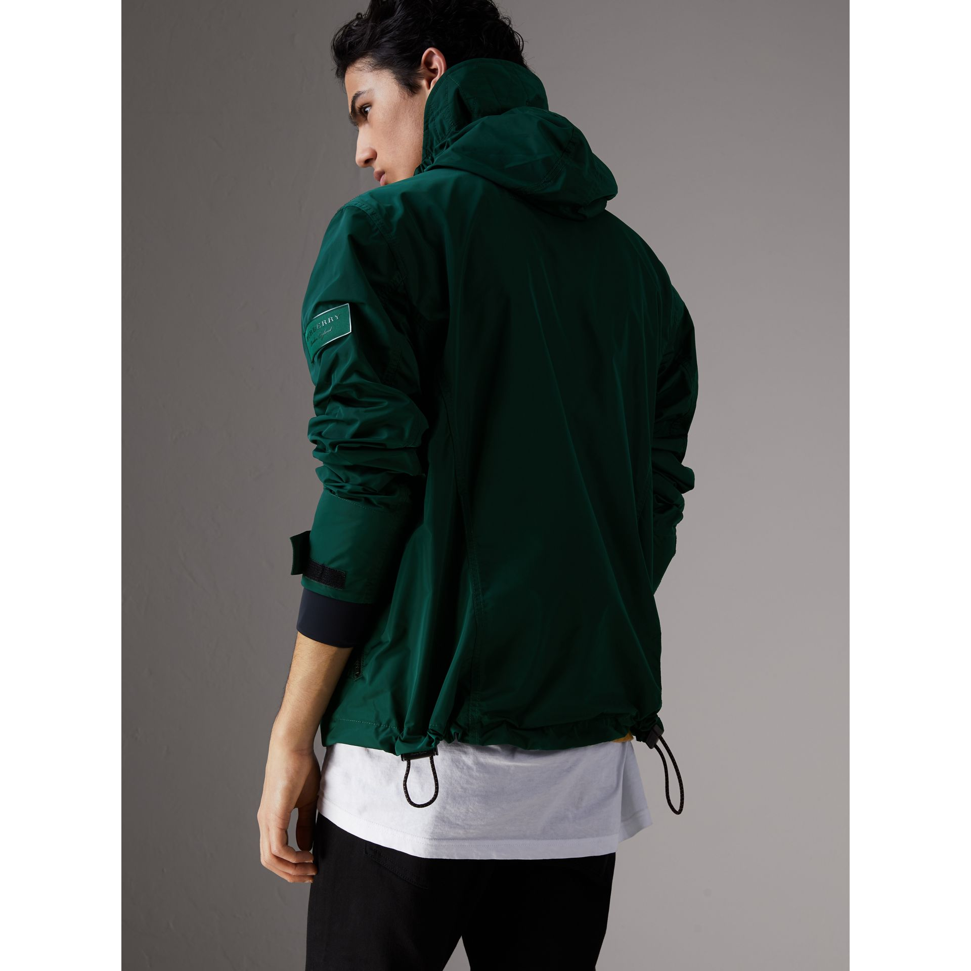 Packaway Hood Shape-memory Taffeta Jacket in Racing Green - Men | Burberry Australia - gallery image 2