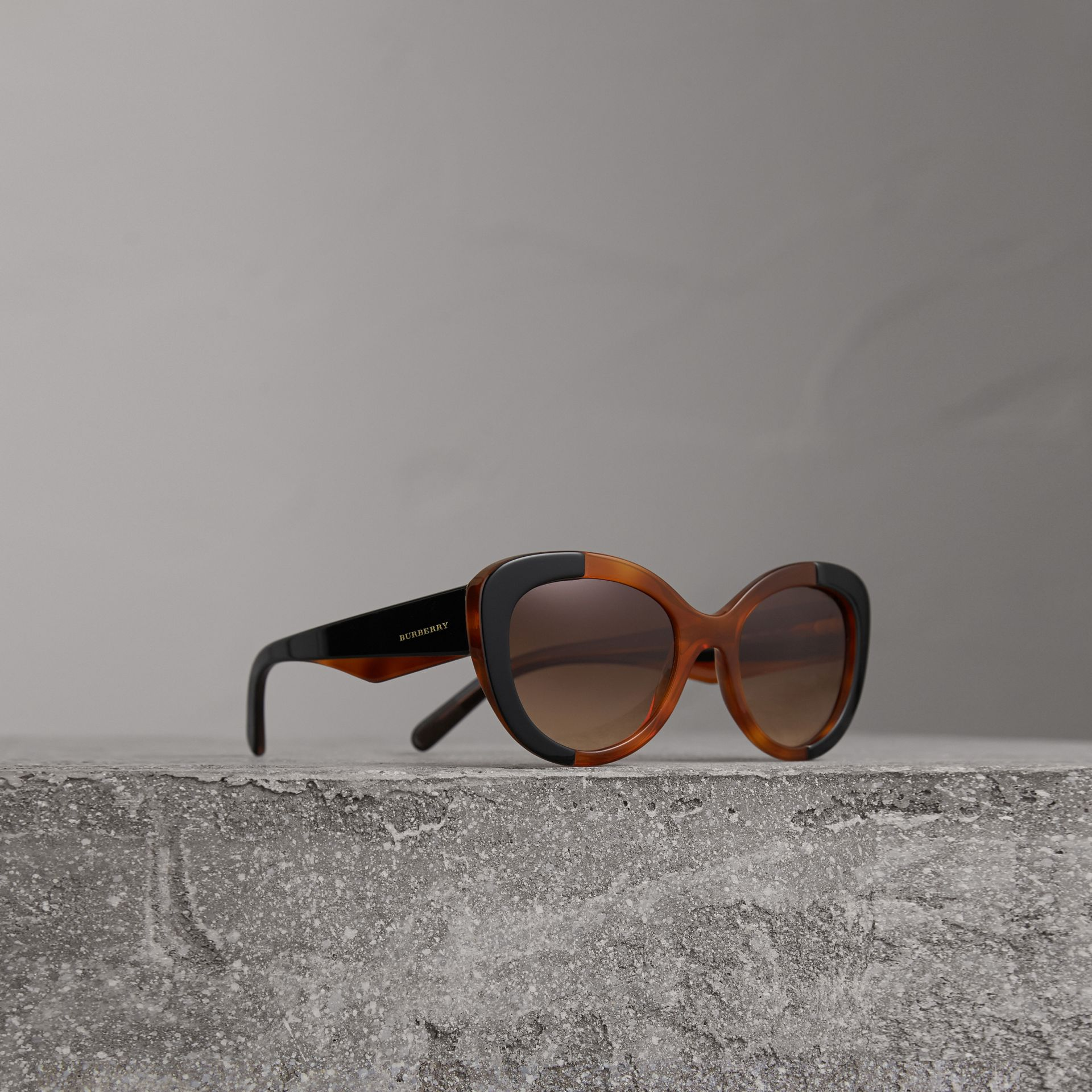 Round Frame Sunglasses in Light Brown - Women | Burberry - gallery image 0