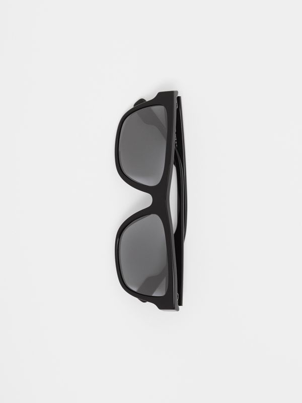 Square Frame Sunglasses in Black - Men | Burberry Canada - cell image 3