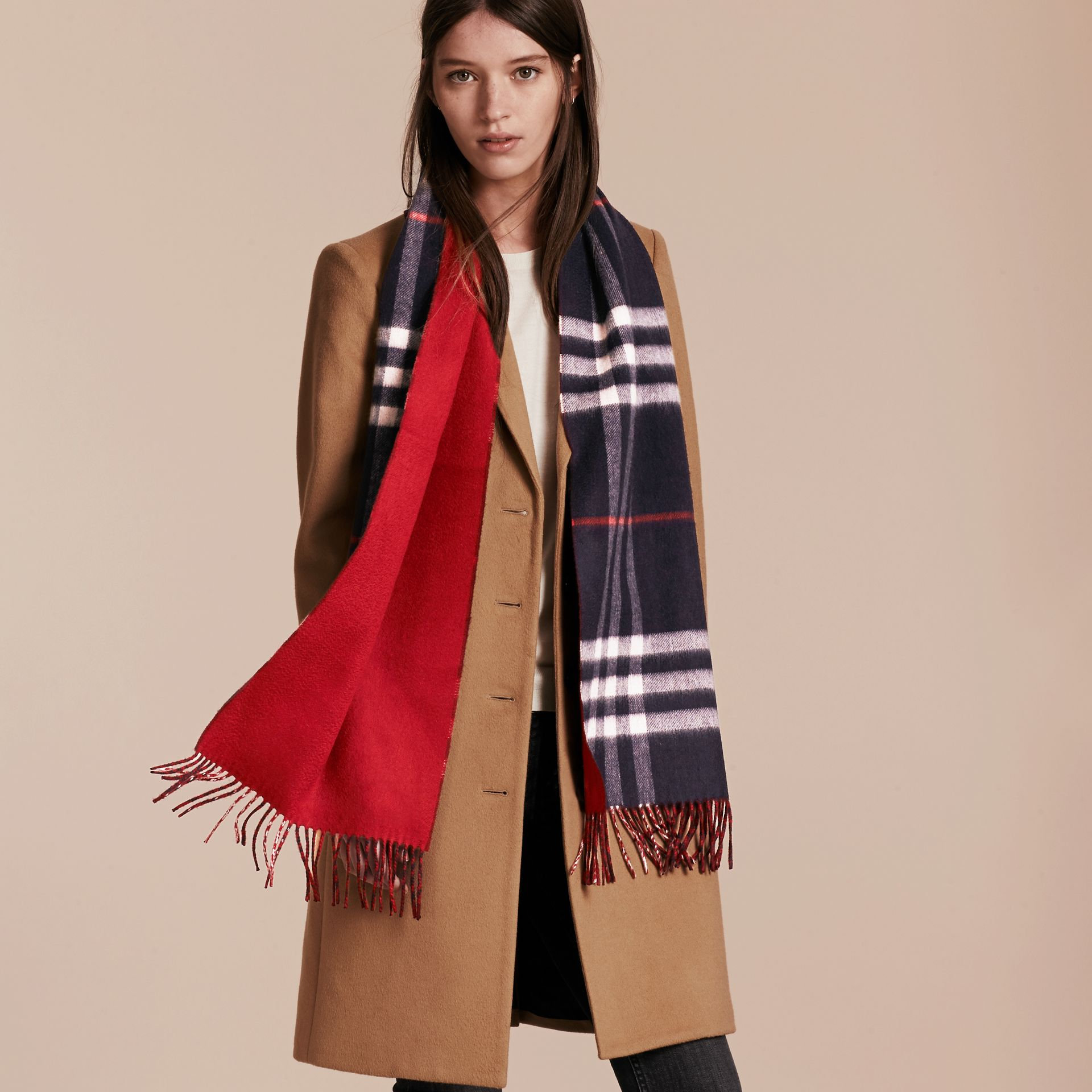 Navy Reversible Check Cashmere and Block-colour Scarf Navy - gallery image 3