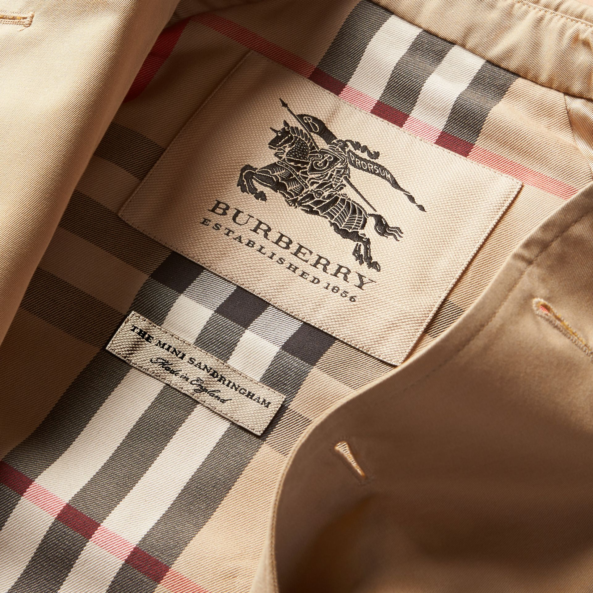 The Sandringham – Heritage Trench Coat in Honey - Girl | Burberry Canada - gallery image 8
