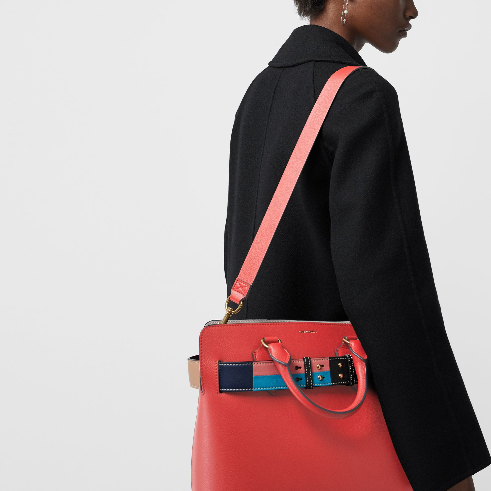 The Medium Leather Colour Block Detail Belt Bag in Bright Crimson Pink - Women | Burberry Hong Kong - gallery image 3