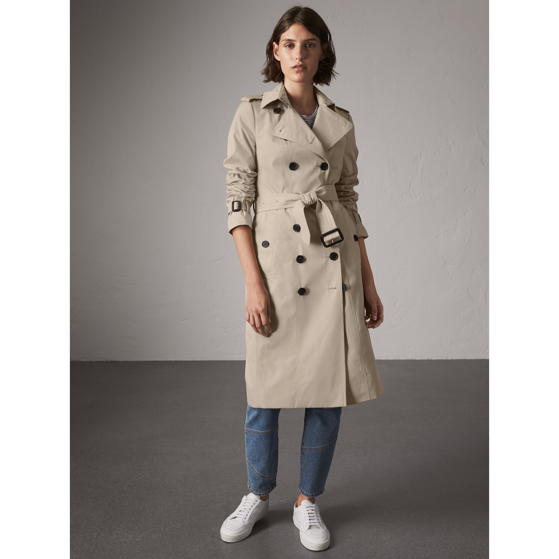 The Sandringham – Extra-long Heritage Trench Coat in Stone - Women | Burberry - gallery image 7