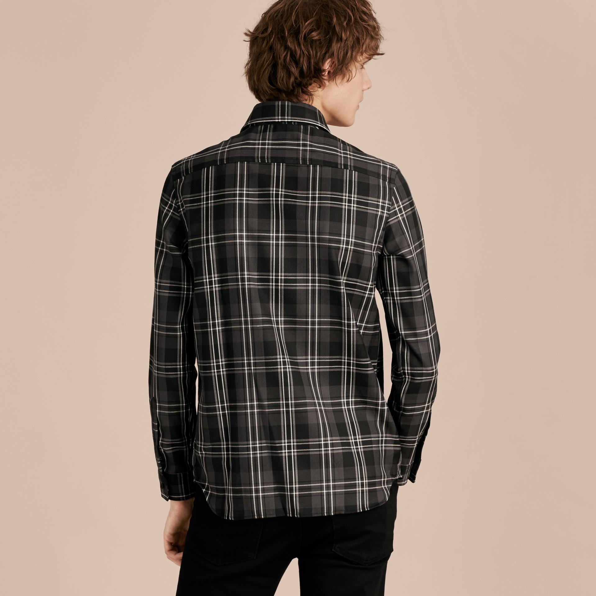 Noir Chemise en laine à motif check Noir - photo de la galerie 3