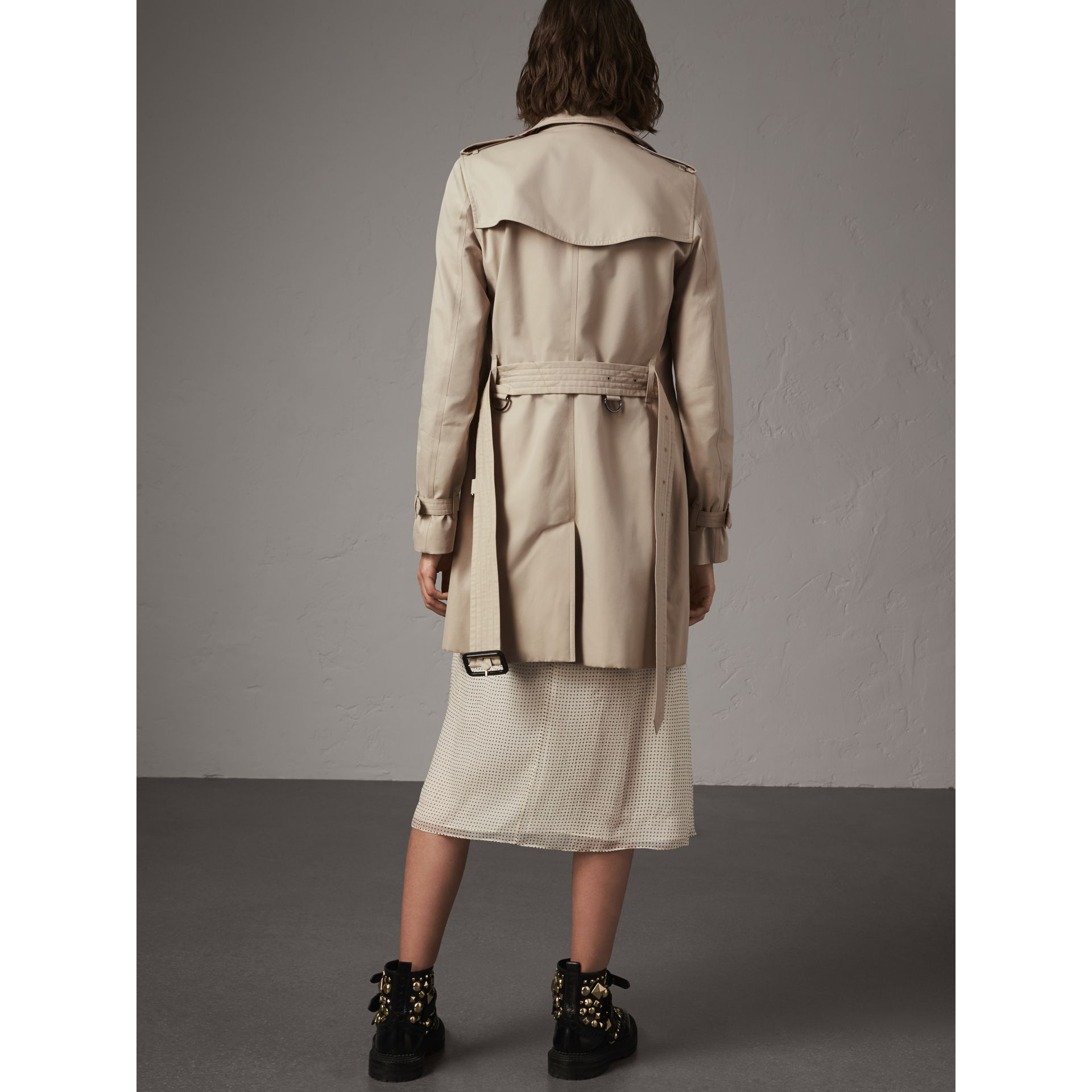 The Kensington – Mid-length Trench Coat in Stone - Women | Burberry - gallery image 3