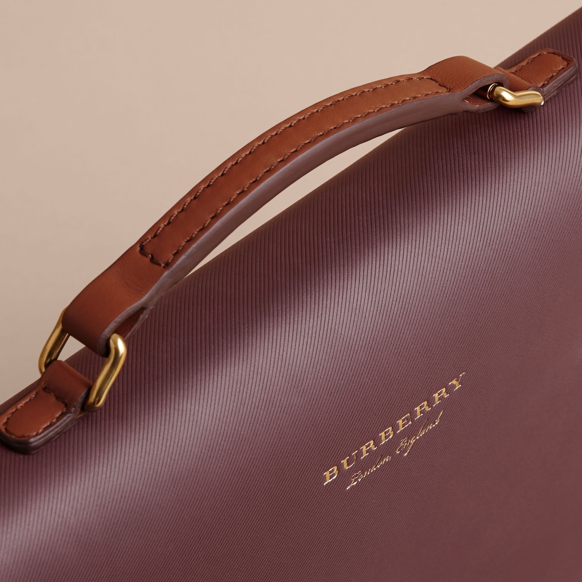 The DK88 Document Case Wine - gallery image 2