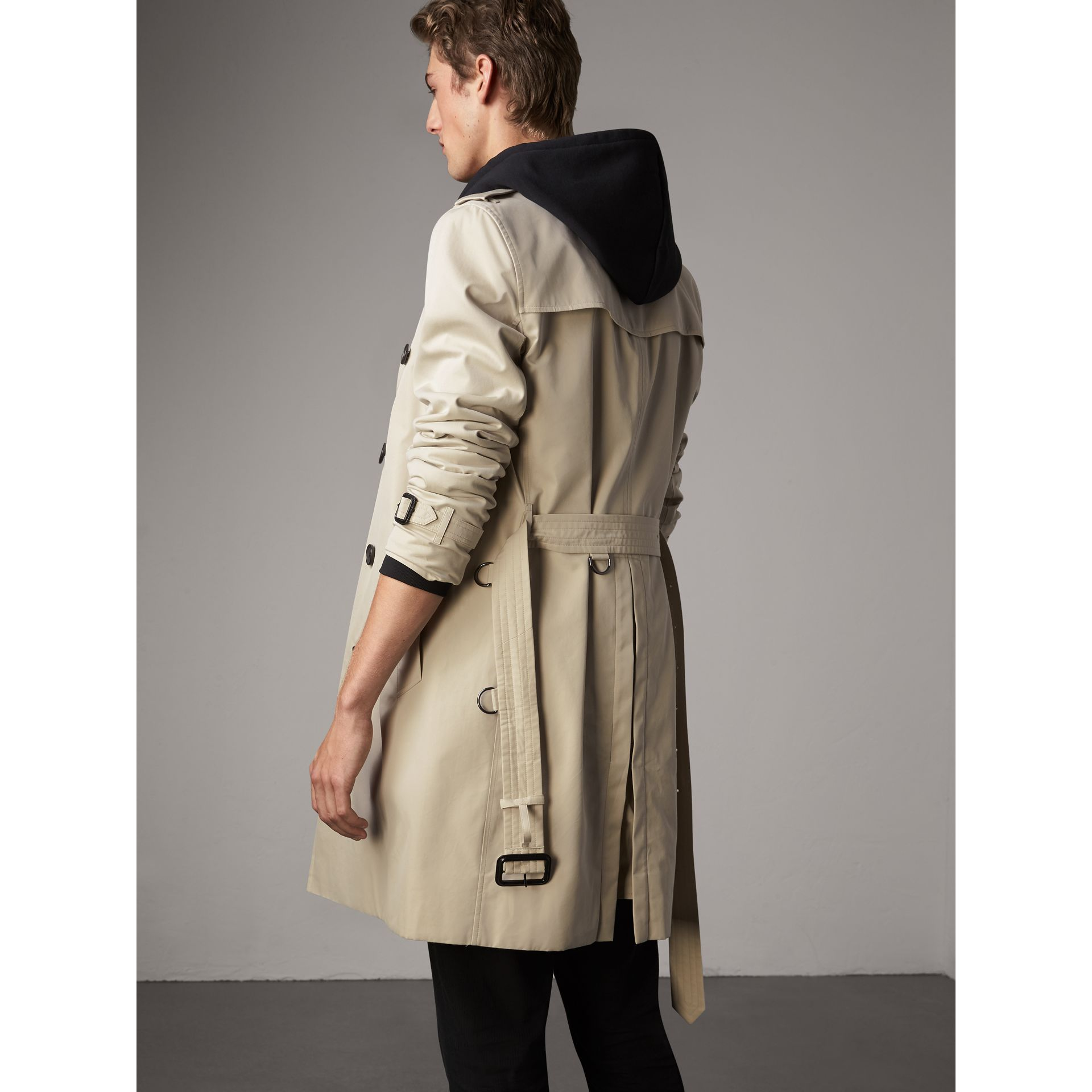 The Kensington – Long Trench Coat in Stone - Men | Burberry Singapore - gallery image 3