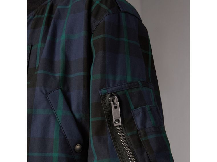 Bomber double face in nylon e cotone con motivo tartan (Navy) - Uomo | Burberry - cell image 1