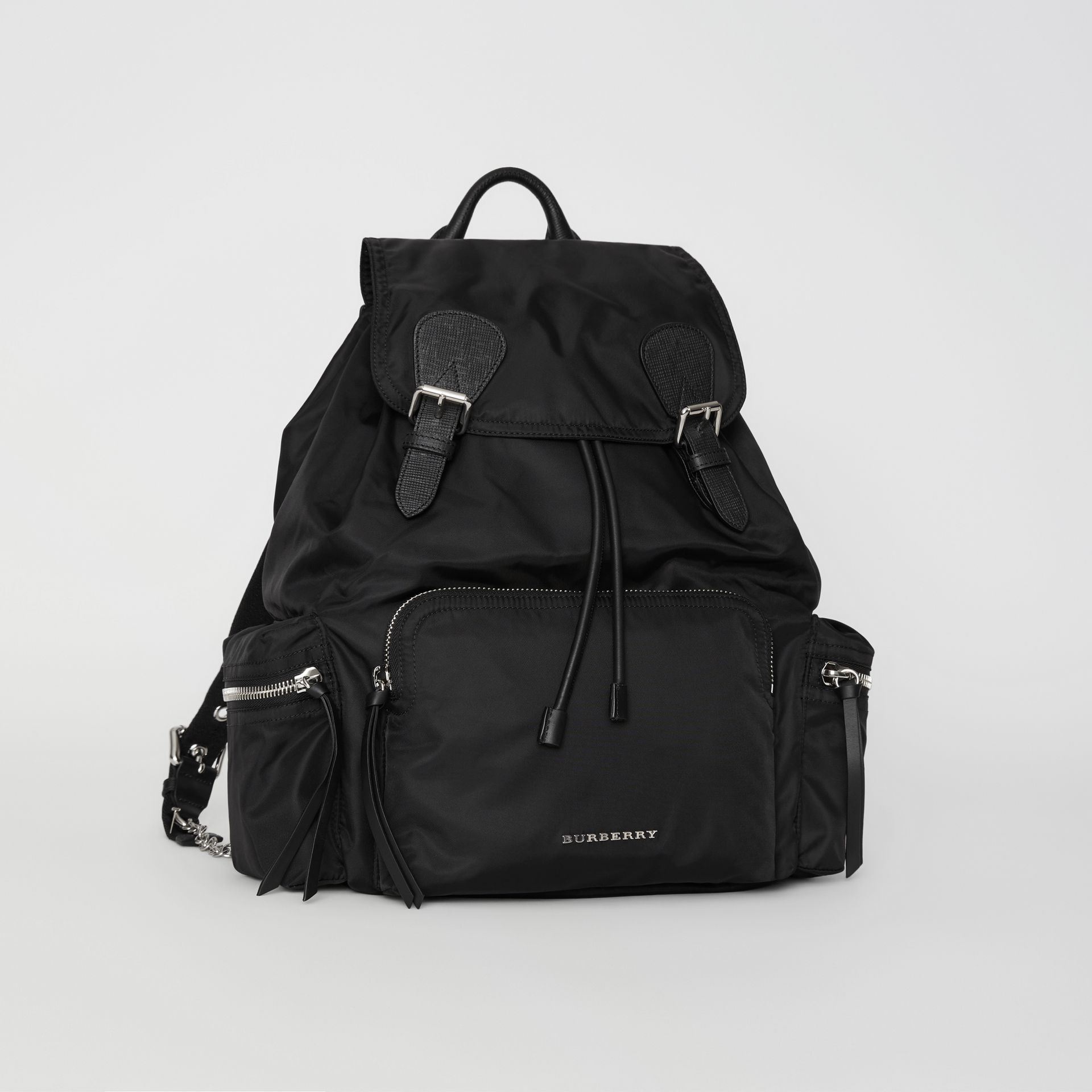 Grand sac The Rucksack en nylon technique et cuir (Noir) - Femme | Burberry Canada - photo de la galerie 6