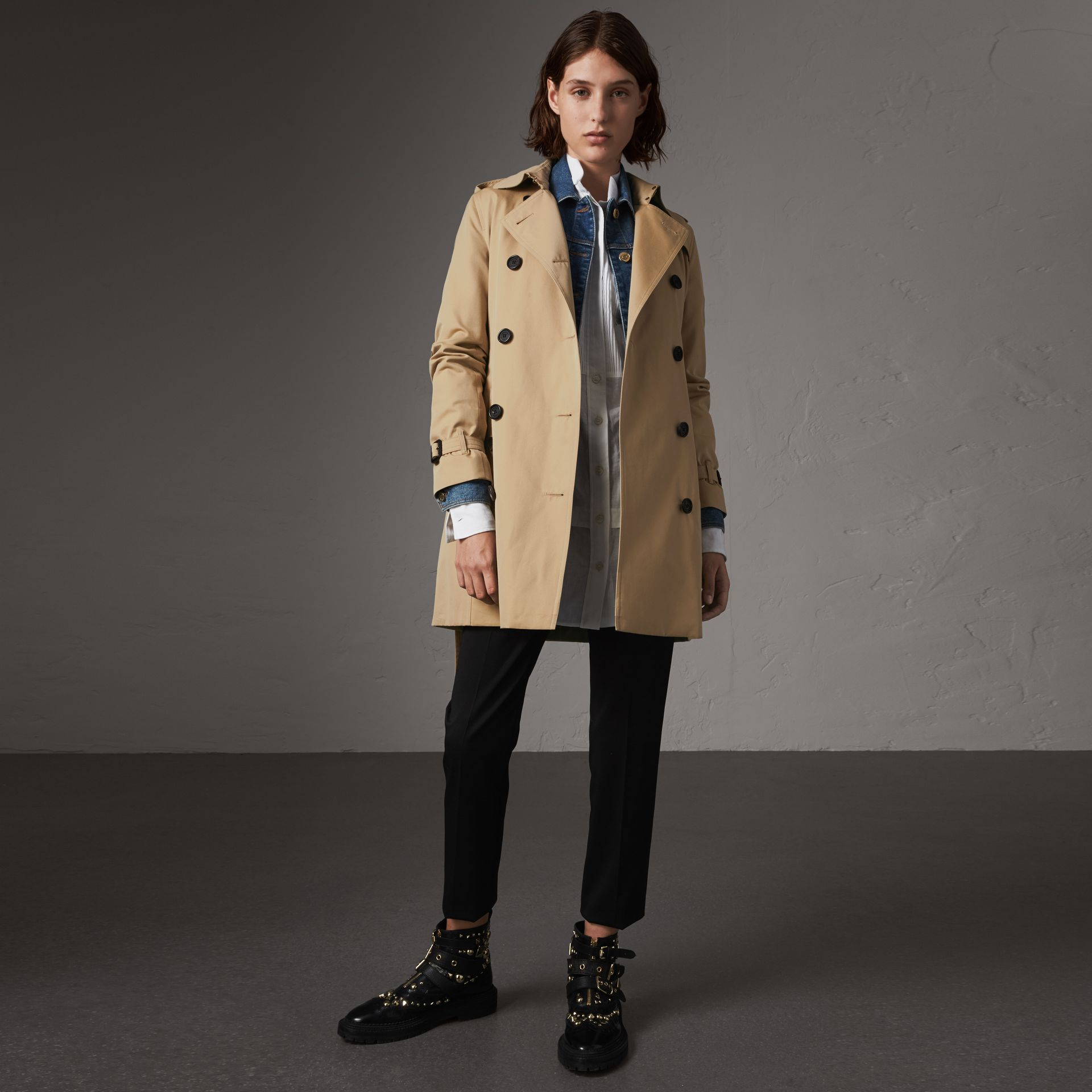 The Kensington – Mid-length Trench Coat in Honey - Women | Burberry - gallery image 0