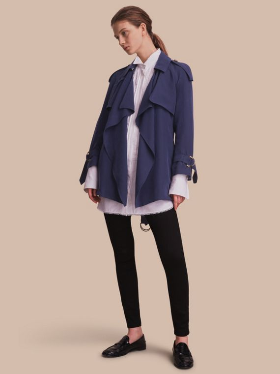Trench coat a scialle in seta Navy