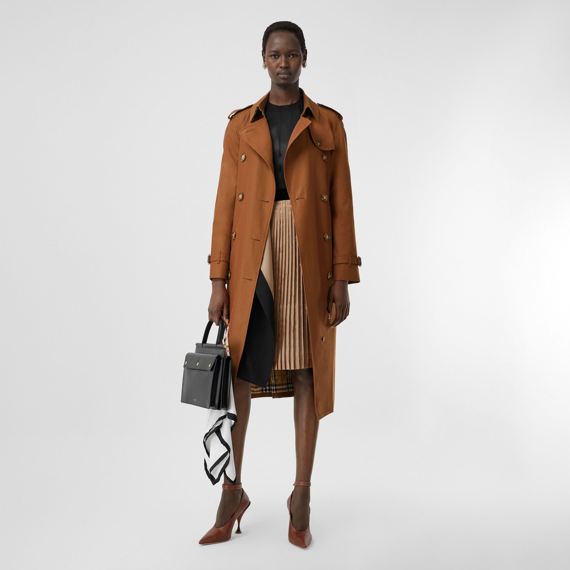 The Waterloo Heritage Trench Coat in Chestnut Brown - Women | Burberry - gallery image 6