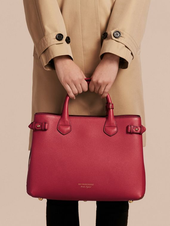 The Medium Banner in Leather and House Check in Russet Red - Women | Burberry Hong Kong - cell image 3