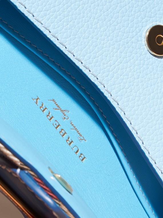 Blu minerale intenso Borsa The Buckle mini con pelle e motivo House check - cell image 3