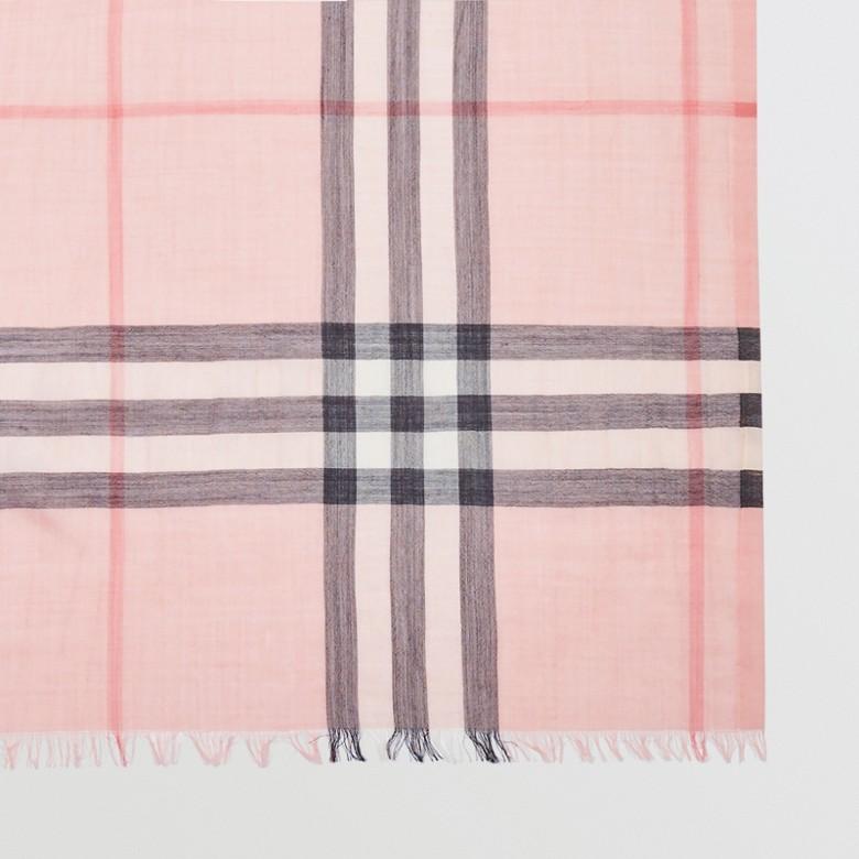 Burberry - Écharpe légère en laine et soie à motif check - 2