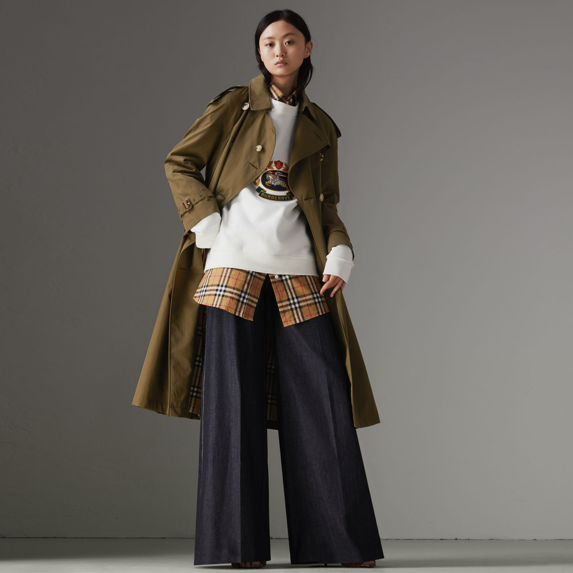 The Long Westminster Heritage Trench Coat in Dark Military Khaki - Women | Burberry United Kingdom - gallery image 0