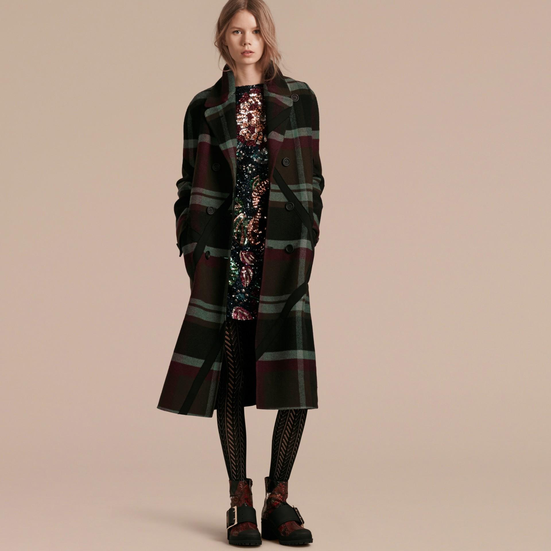 Vert militaire Manteau non doublé à double boutonnage en laine tartan - photo de la galerie 7
