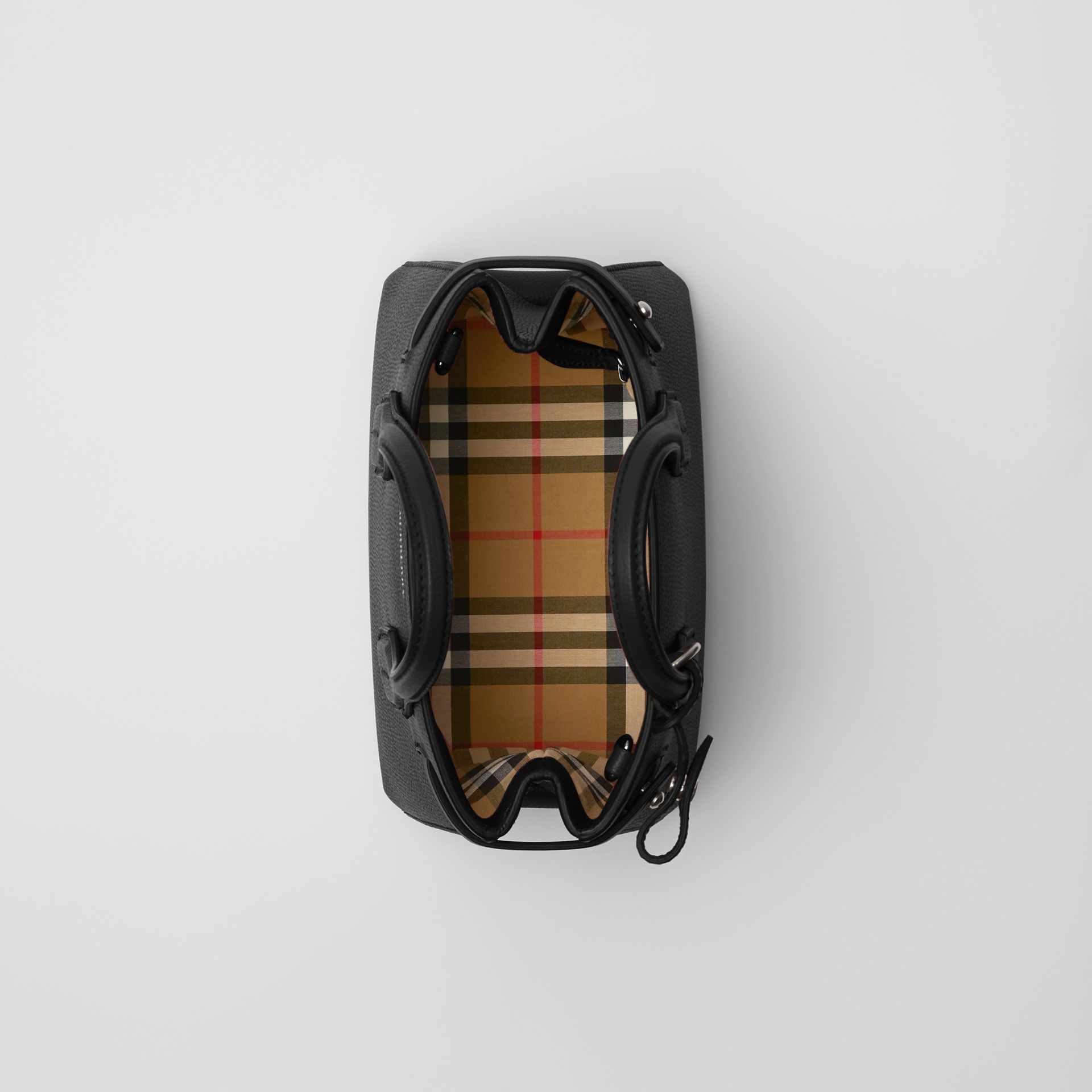 The Baby Banner in pelle e motivo Vintage Check (Nero) - Donna | Burberry - immagine della galleria 5