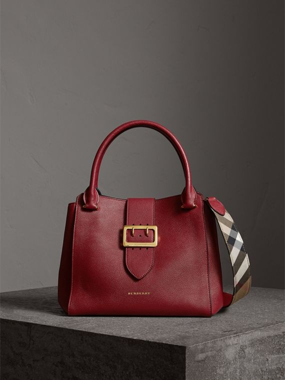 The Medium Buckle Tote in Grainy Leather in Parade Red - Women | Burberry