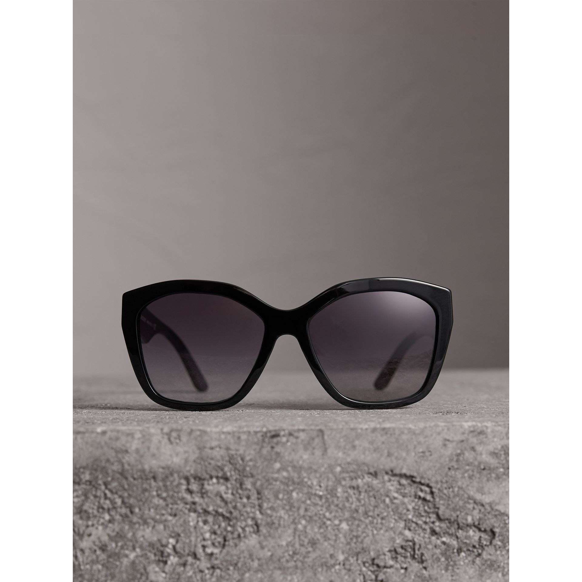 Square Frame Sunglasses in Black - Women | Burberry United States - gallery image 2