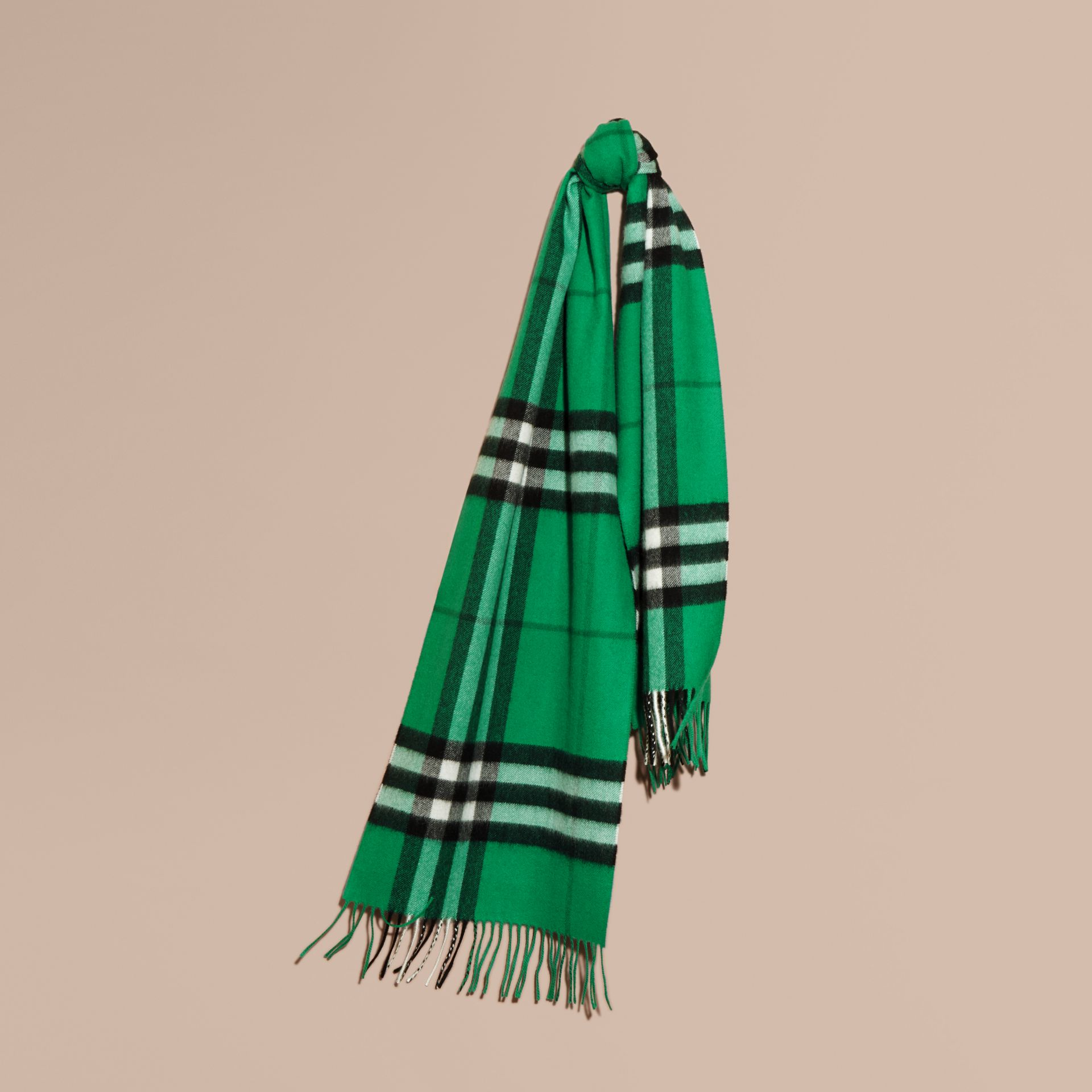The Classic Cashmere Scarf in Check  Emerald - gallery image 6
