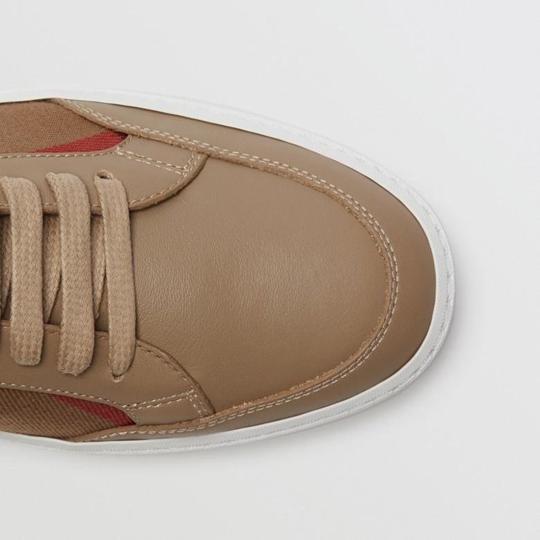 Burberry - Sneakers en cuir avec détails check - 2