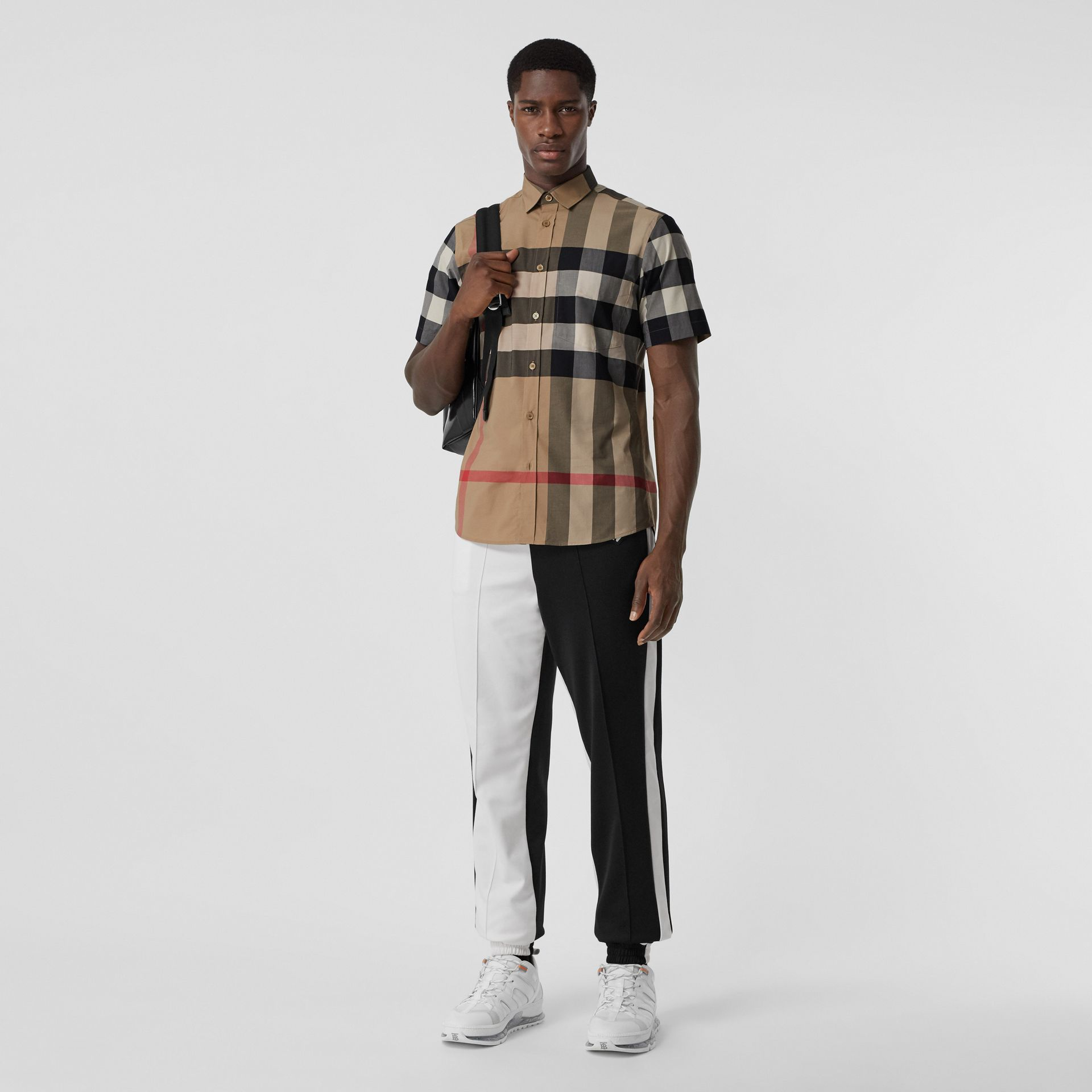 Short-sleeve Check Stretch Cotton Poplin Shirt in Archive Beige - Men | Burberry - gallery image 0