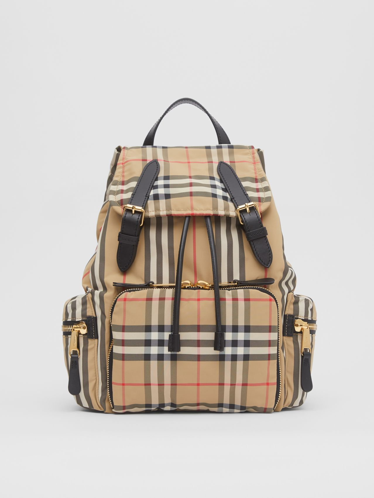 The Medium Rucksack aus ECONYL® im Vintage Check-Design (Vintage-beige)
