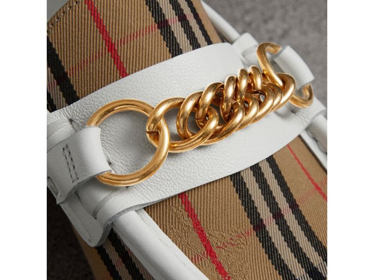 Loafer im Karodesign mit Kettendetail (Cremefarben) - Damen | Burberry - cell image 1