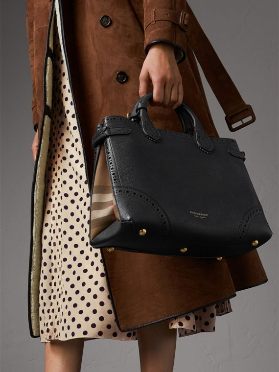 The Medium Banner in Brogue Detail Leather in Black - Women | Burberry Australia - cell image 3