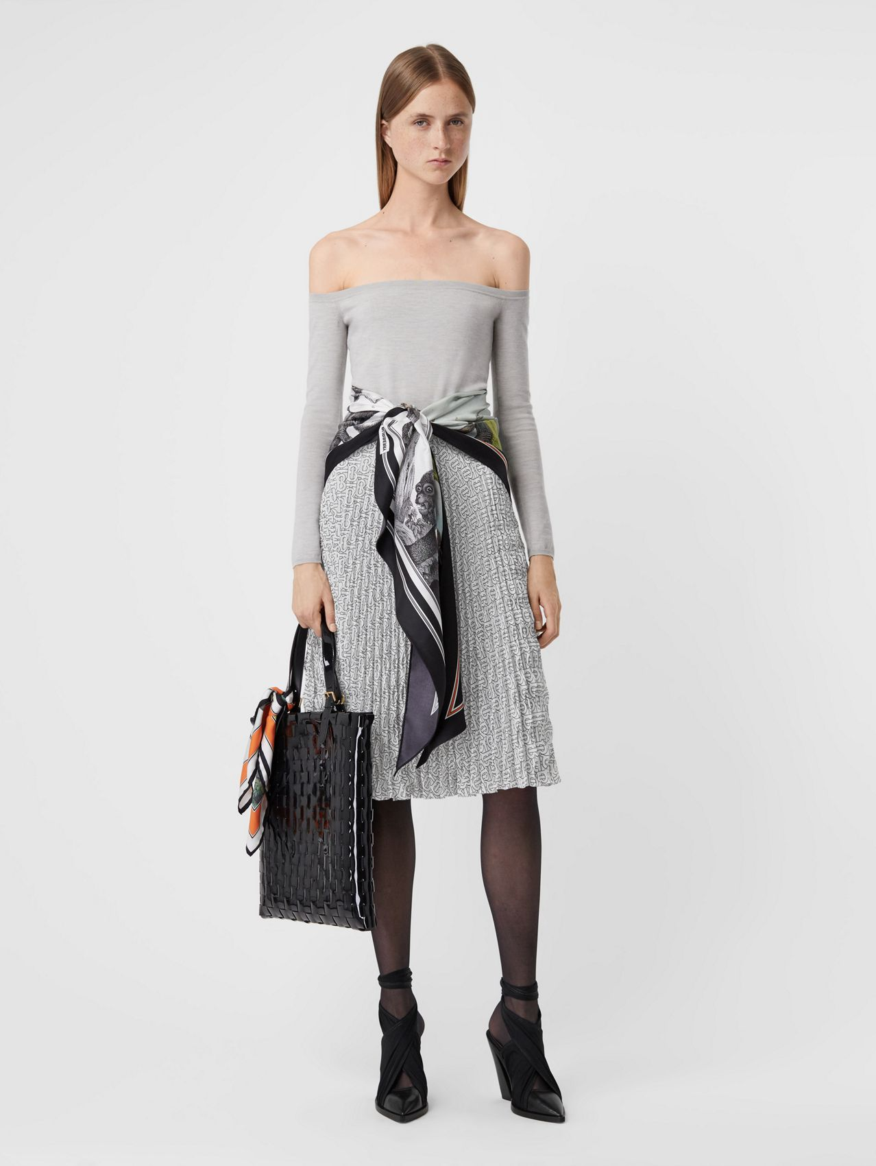 Monogram Print Crepe De Chine Pleated Skirt in White/black