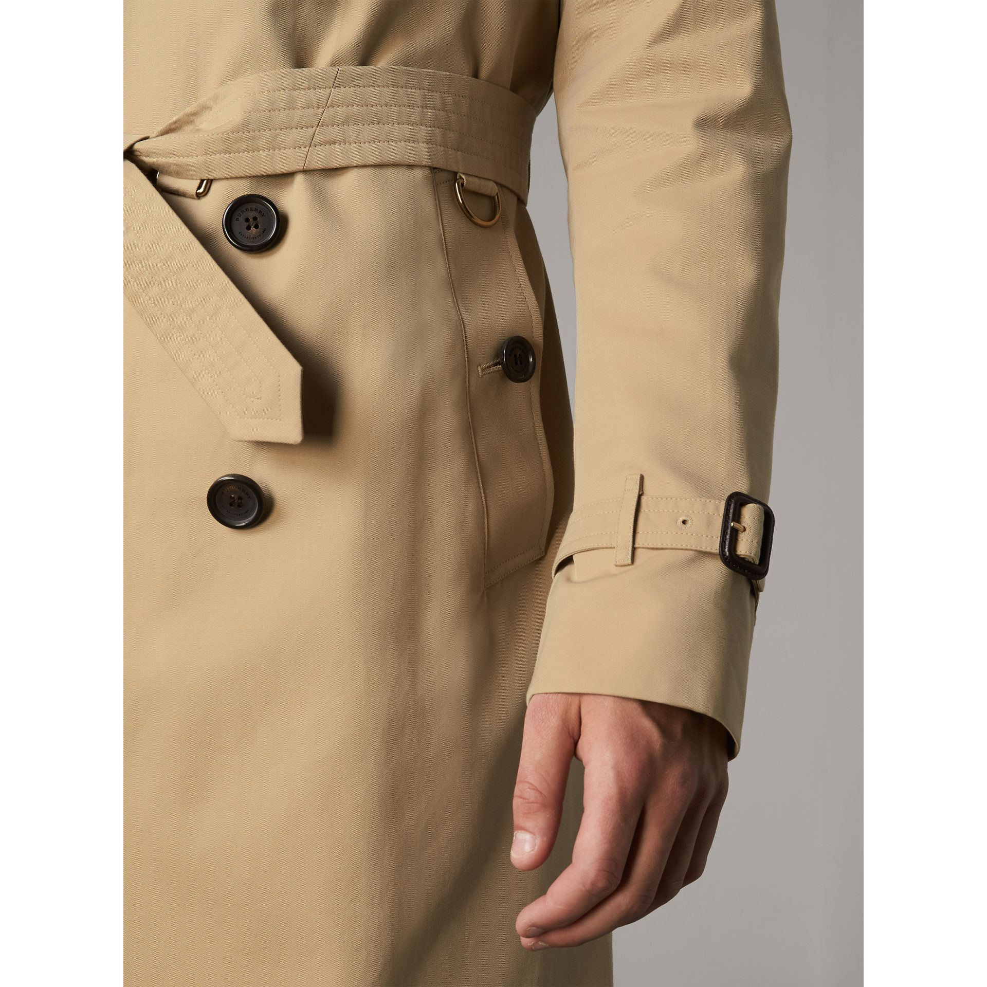 The Kensington – Long Trench Coat in Honey - Men | Burberry Australia - gallery image 5