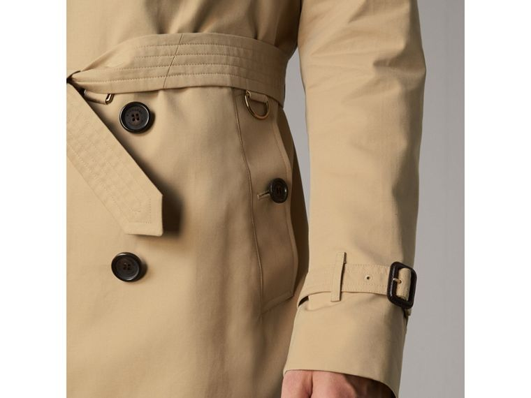 The Kensington – Long Trench Coat in Honey - Men | Burberry Australia - cell image 4