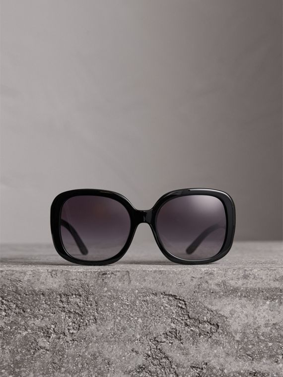 Square Frame Sunglasses in Black - Women | Burberry Hong Kong - cell image 3