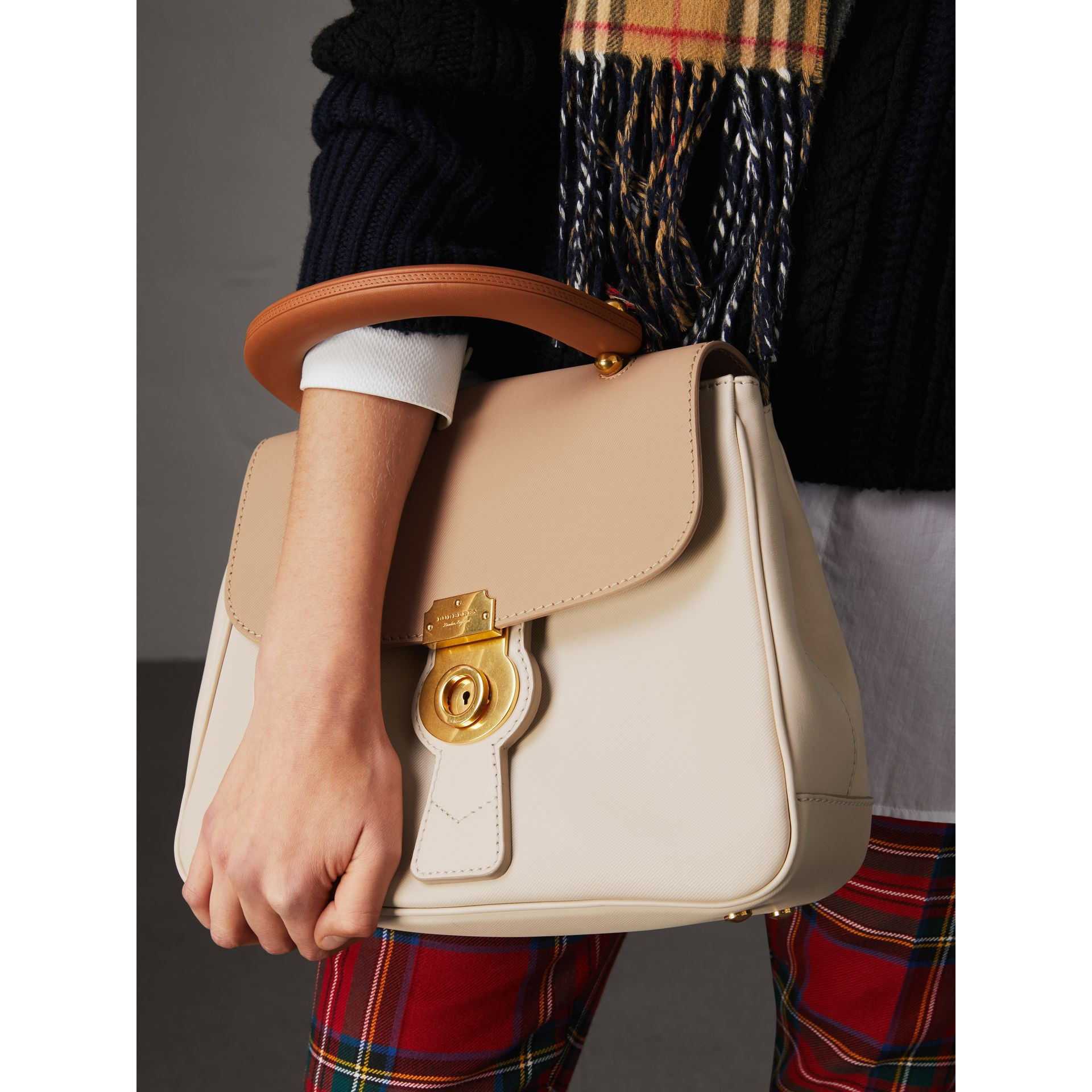The Medium DK88 Top Handle Bag in Limestone/honey - Women | Burberry Singapore - gallery image 2