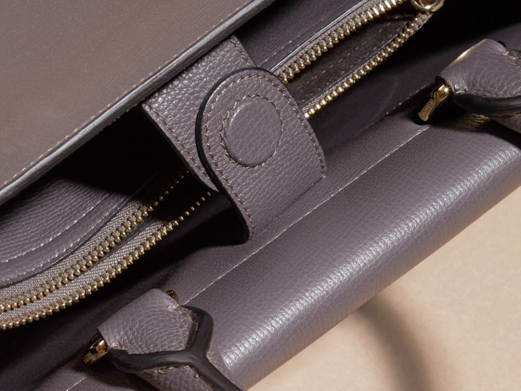 Sepia grey The Medium Saddle Bag in Grainy Bonded Leather Sepia Grey - cell image 4
