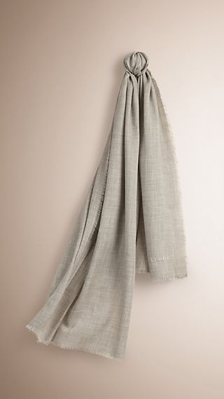 The Lightweight Cashmere Scarf