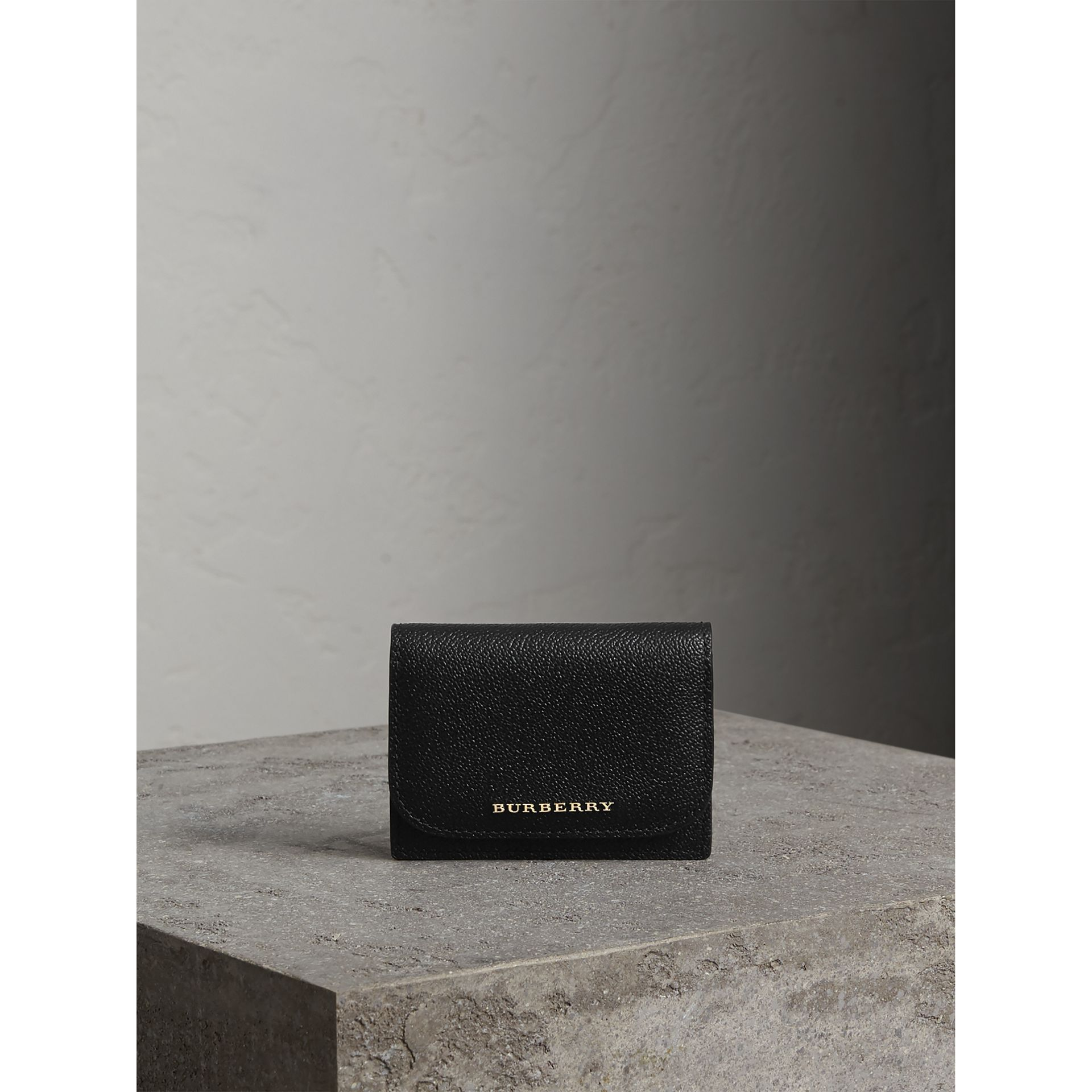 Grainy Leather Card Case in Black - Women | Burberry - gallery image 5