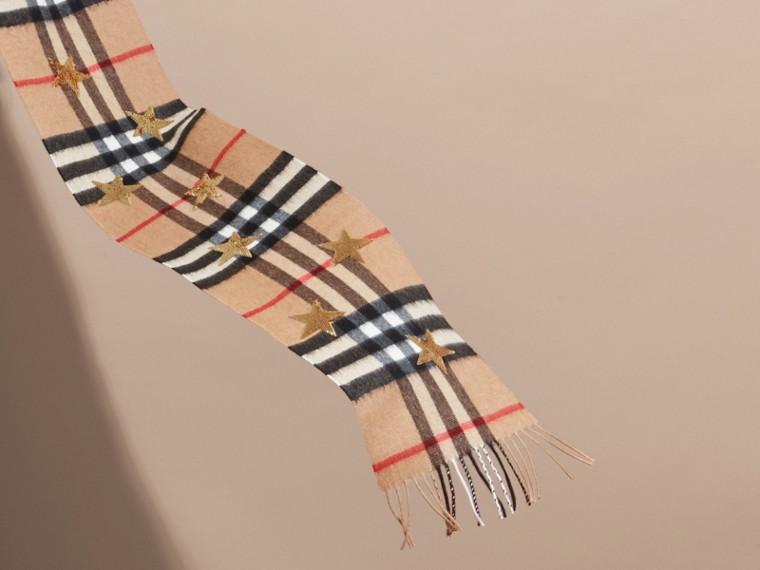 Mini écharpe classique en cachemire à motif check et étoiles en sequins