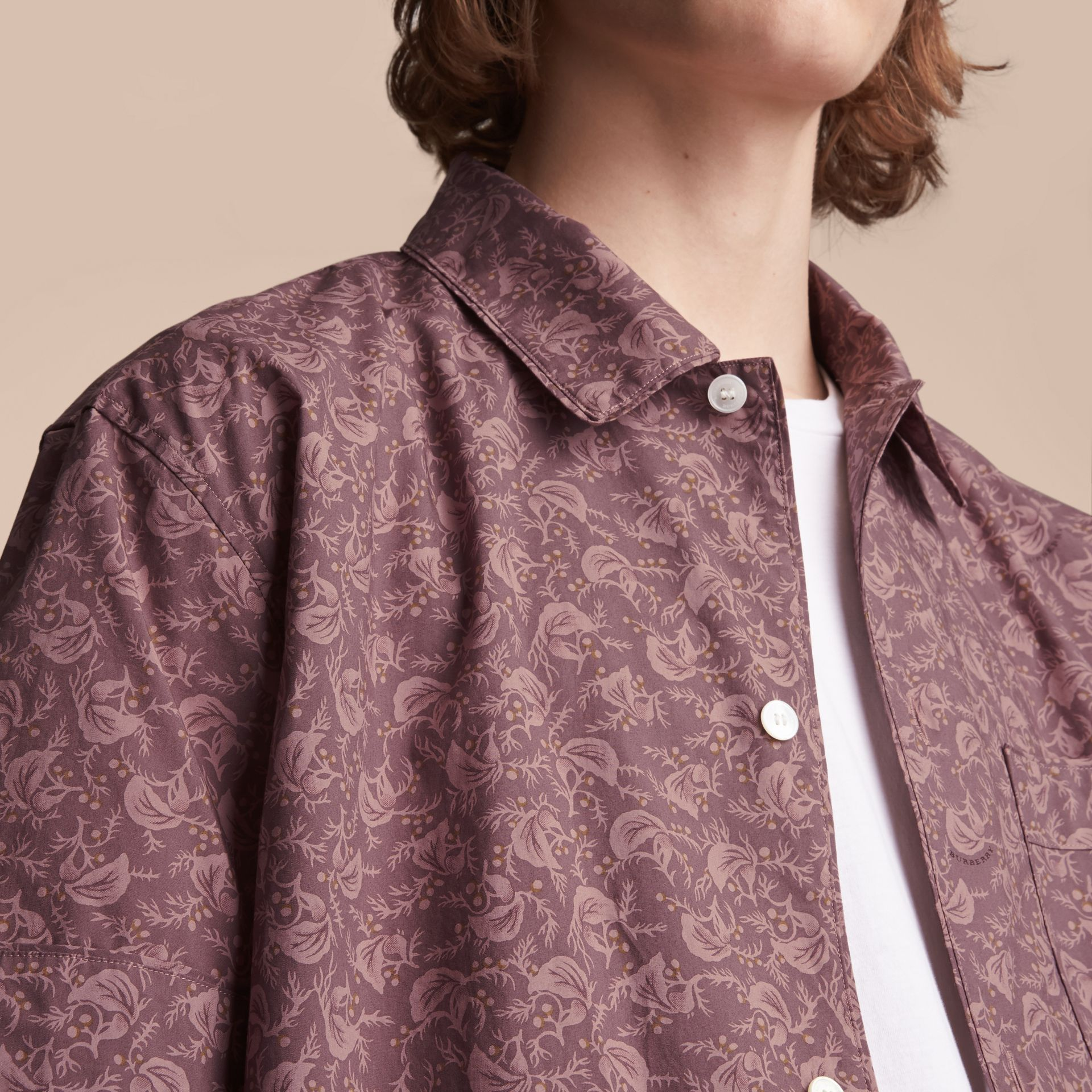 Short-sleeve Leaf Print Cotton Shirt in Mauve - Men | Burberry - gallery image 5