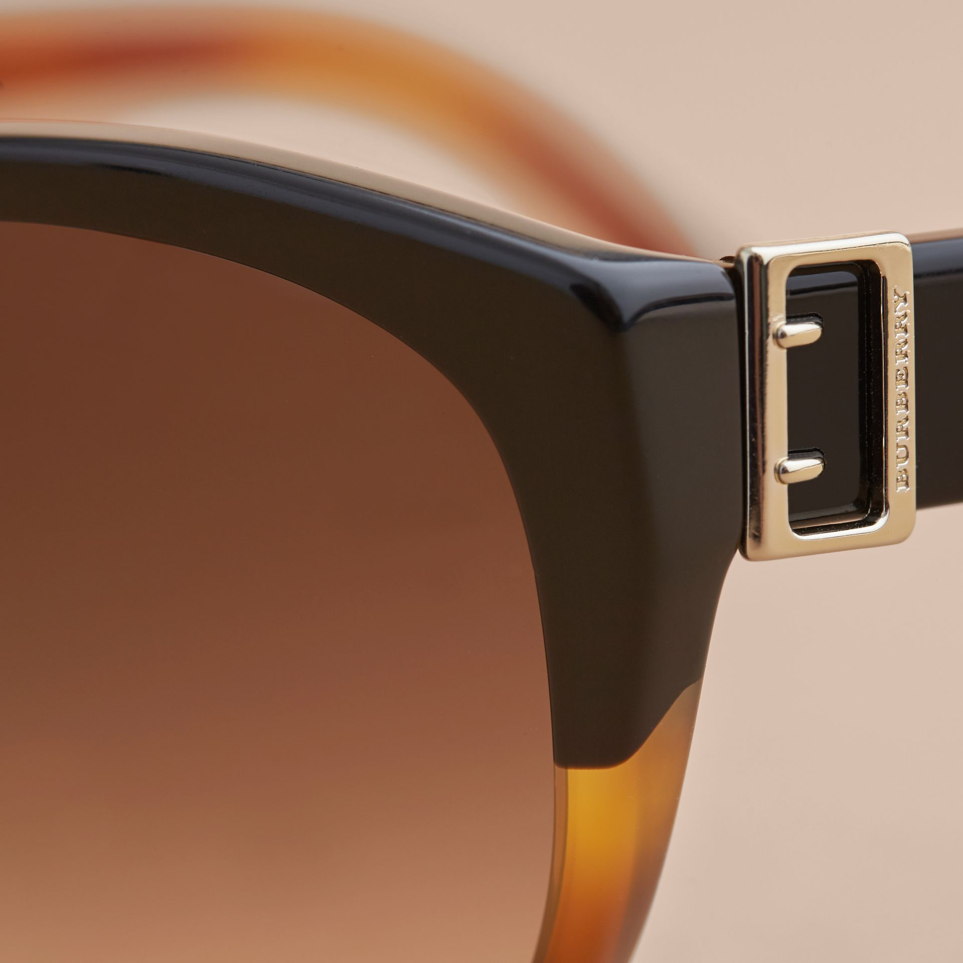 Buckle Detail Round Frame Sunglasses in Tortoise Amber - Women | Burberry - gallery image 1