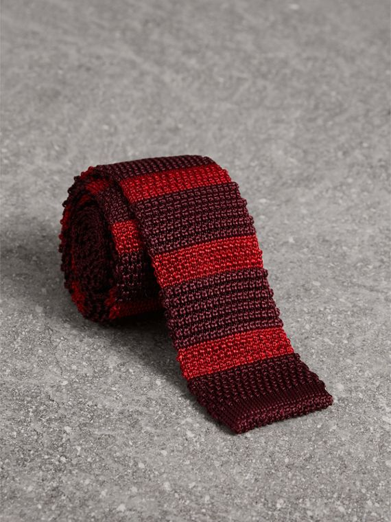 Slim Cut Two-tone Knitted Silk Tie in Burgundy