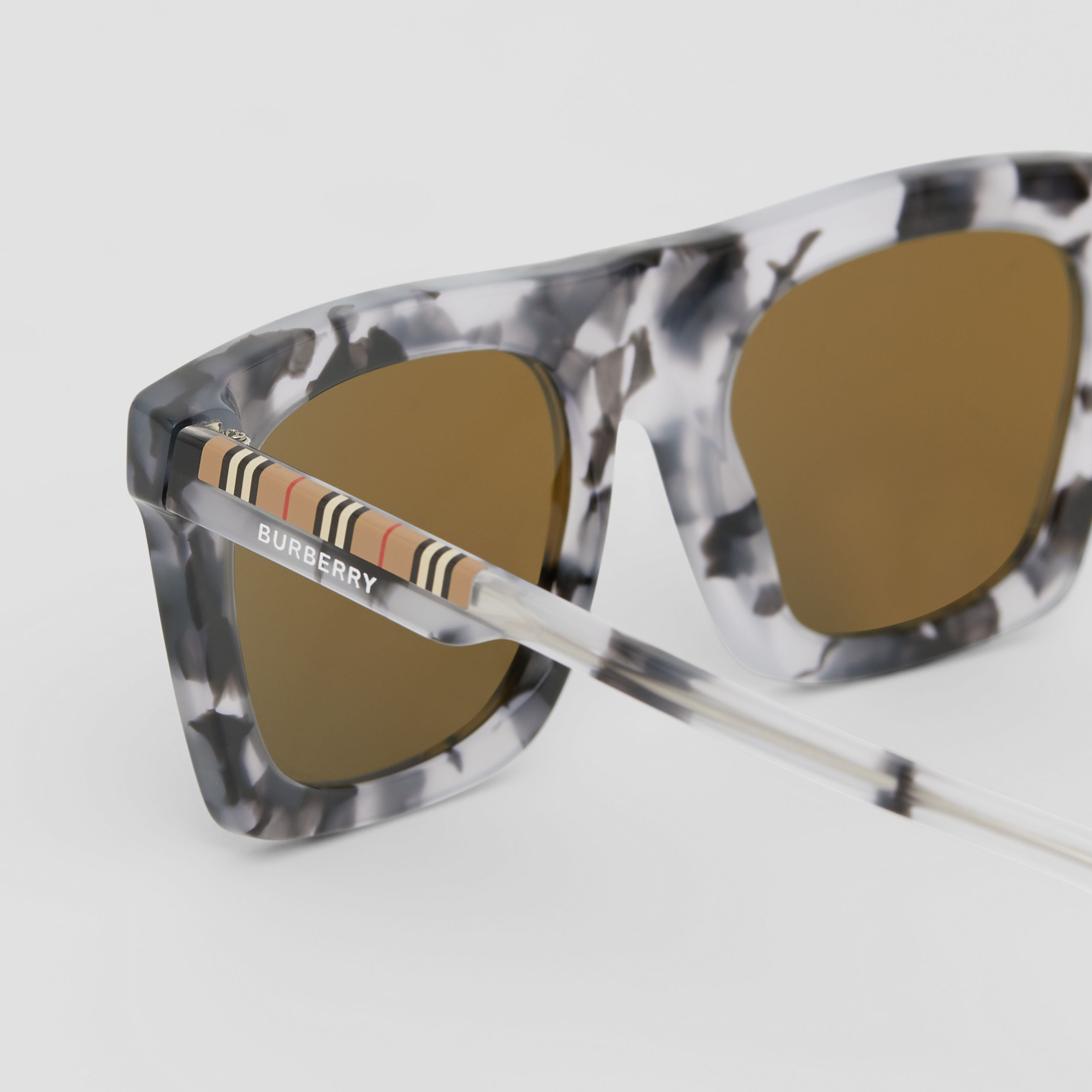 Icon Stripe Detail Rectangular Frame Sunglasses in Marble Grey - Men | Burberry United Kingdom - 2