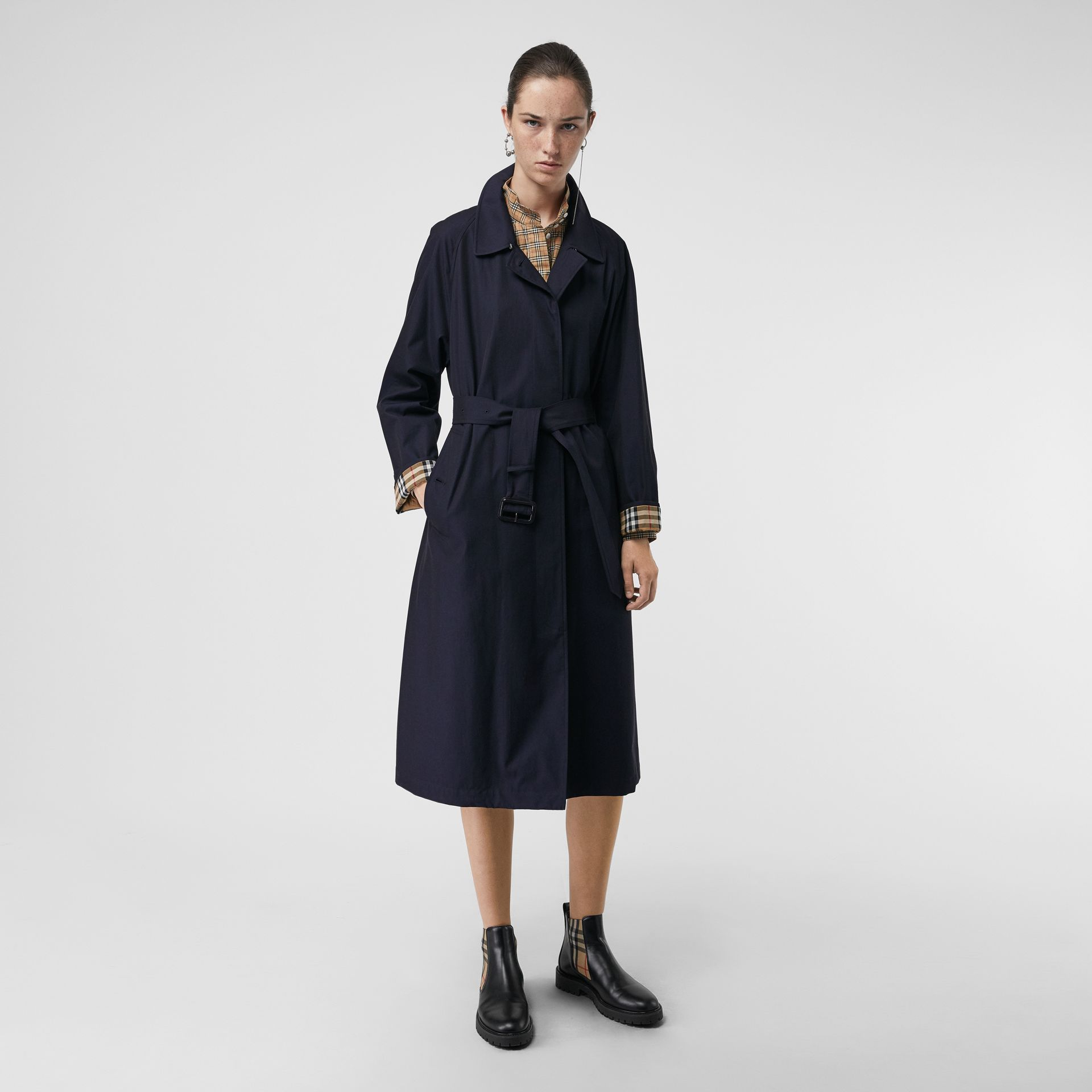 The Brighton Car Coat (Blu Carbonio) - Donna | Burberry - immagine della galleria 6