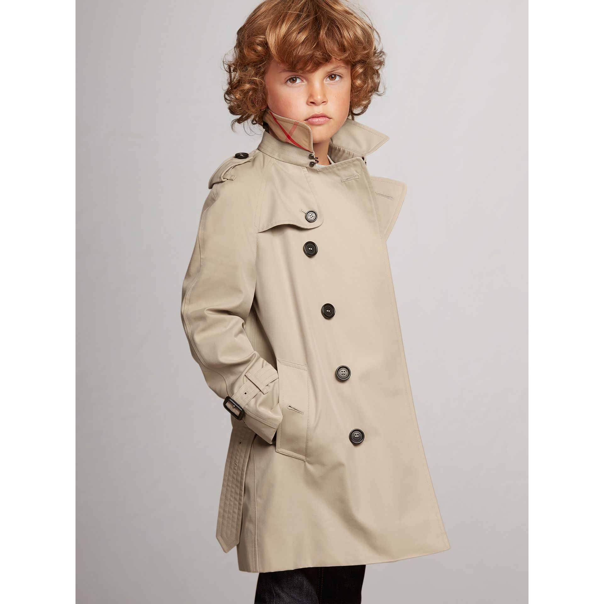 The Wiltshire – Heritage Trench Coat in Stone - Boy | Burberry - gallery image 3