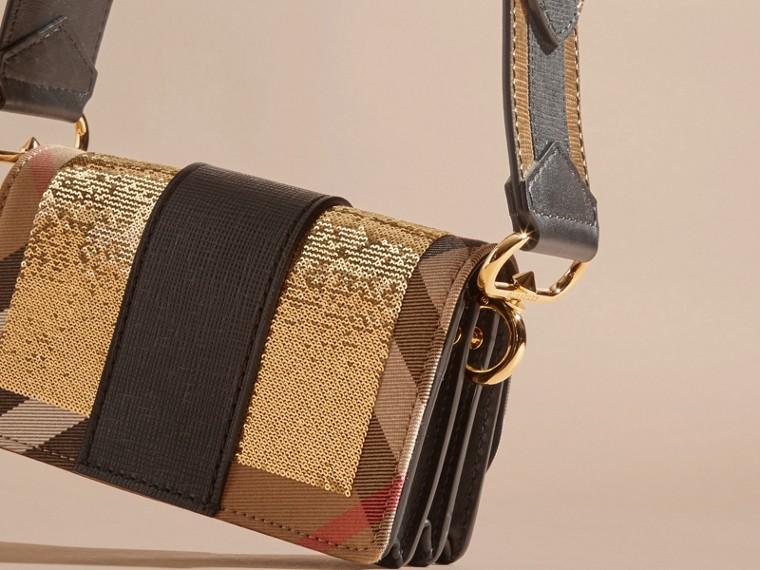 Or/noir Petit sac The Buckle à sequins et motif House check - cell image 4